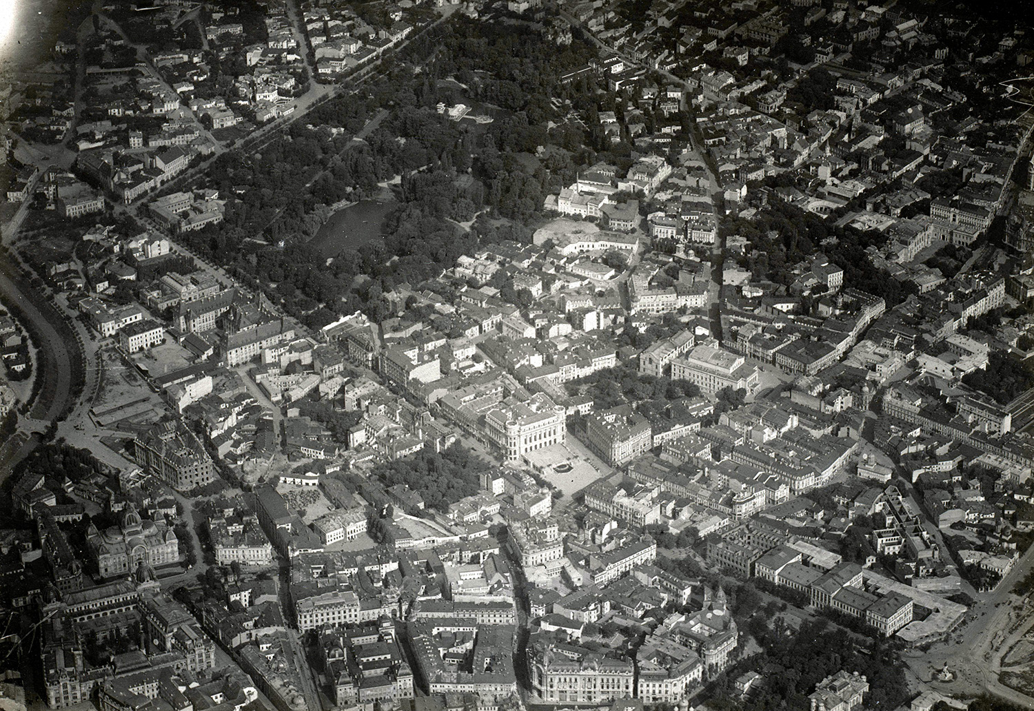 Panorama of Bucharest, probably from a German zeppelin, 1916.