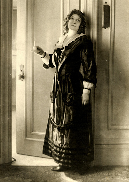 Dame Nellie Melba as Mimi in the 1923 Covent Garden production of Giacomo Puccini's La boheme. © Bettmann/Getty Images.