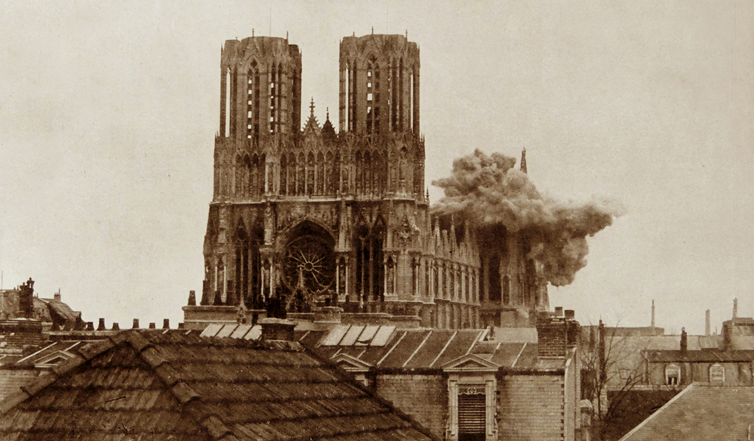 Reims Cathedral hit during a German shell barrage, 19 September 1914.