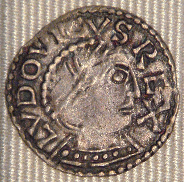 A denier from the reign of Louis IV, minted at Chinon