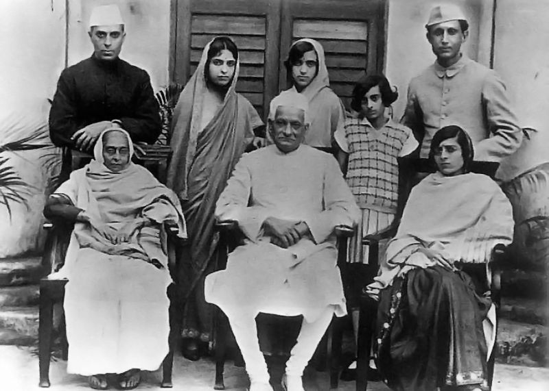 The family of Motilal Nehru (seated at the centre) with Jawaharlal at the far left in the back row and Indira Gandhi second from the right