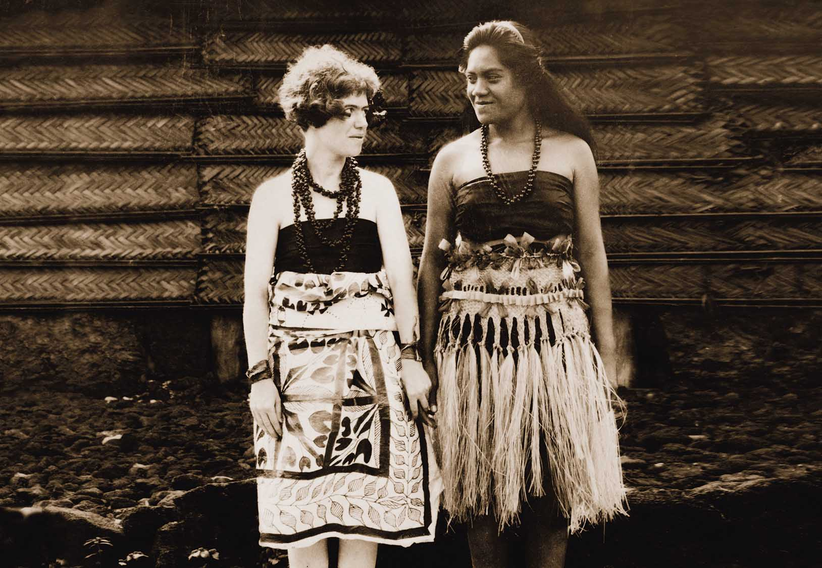 Dr. Margaret Mead in Samoan clothing with Fa & # 39; amotu.