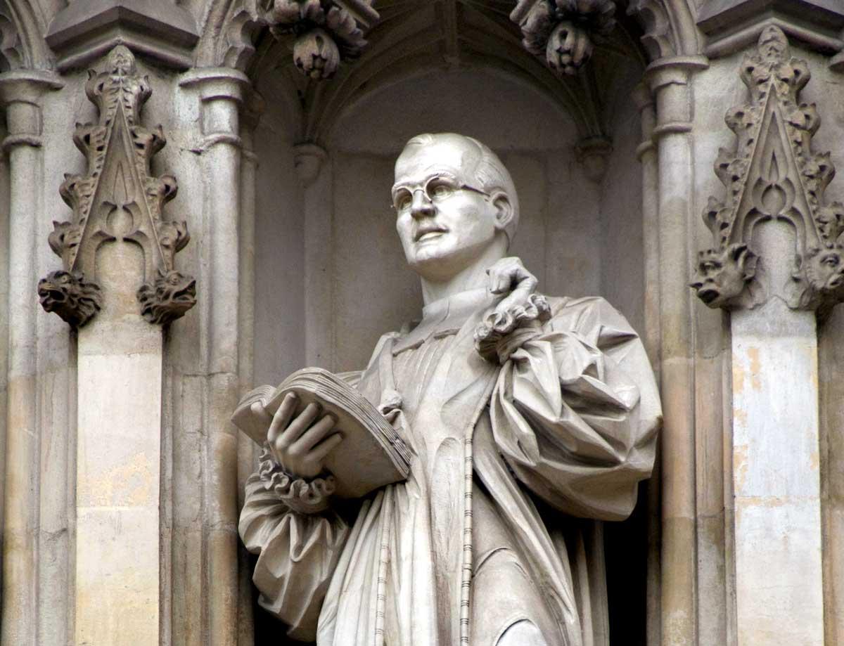 Statue of Bonhoeffer, Westminster Abbey. Peter Horree/Alamy.
