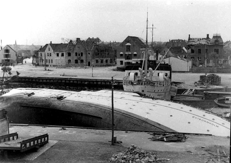 Nexø harbour in May 1945, after the Soviet air raid.