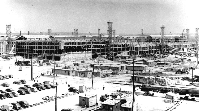 The construction of the Pentagon, the world's largest office building. 1 July 1942.