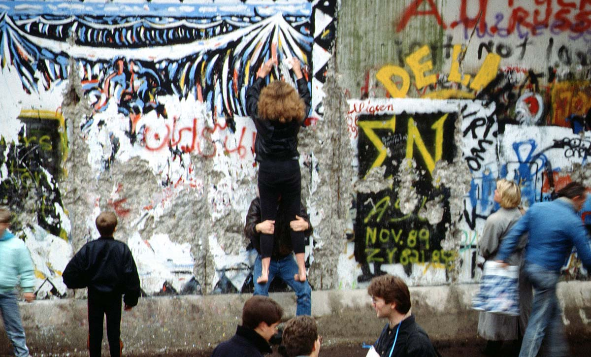 Fall of the Berlin Wall, November 1989. Wiki Commons.