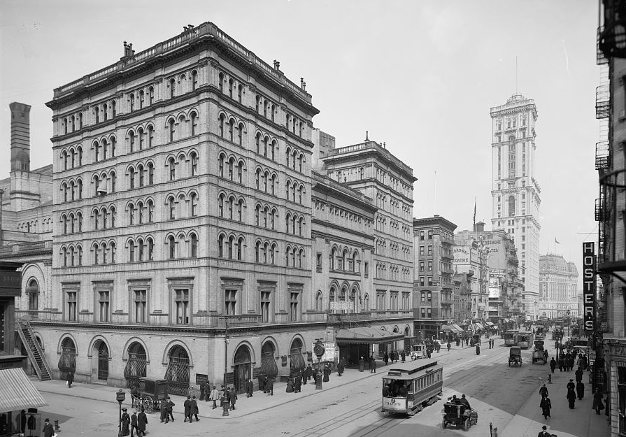 Metropolitan Opera House, New York City c1905. National Library of Congress
