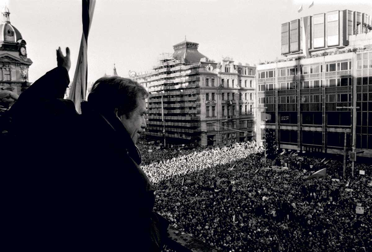 Václav Havel addresses a pro-democracy rally in Wenceslas Square, Prague, 12 December 1989 © Sovfoto/UIG/Getty Images.