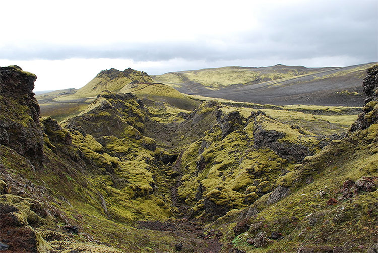 Iceland's Laki fissure by Chmee2/Valtameri. Licensed under CC BY-SA 3.0 via Wikimedia Commons