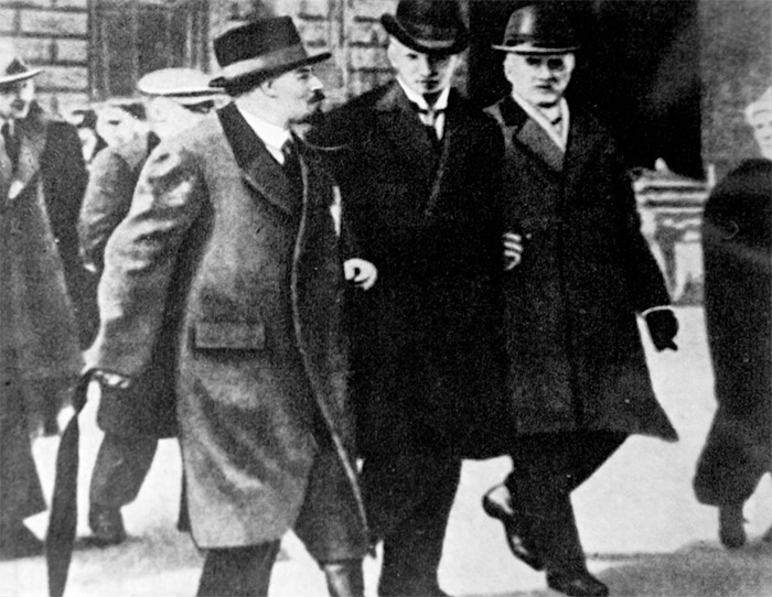 Lenin with Swedish socialists Ture Nerman and Carl Lindhagen in Stockholm, March 1917