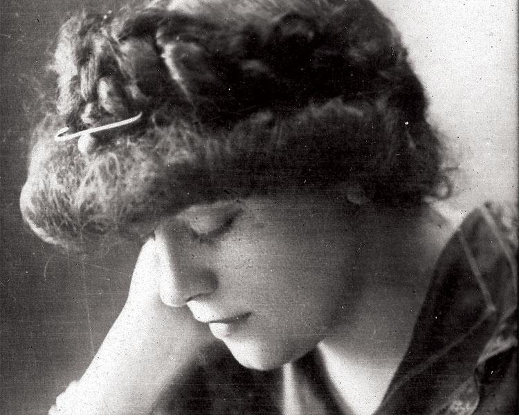 Lucie Delarue-Mardrus, c.1905.