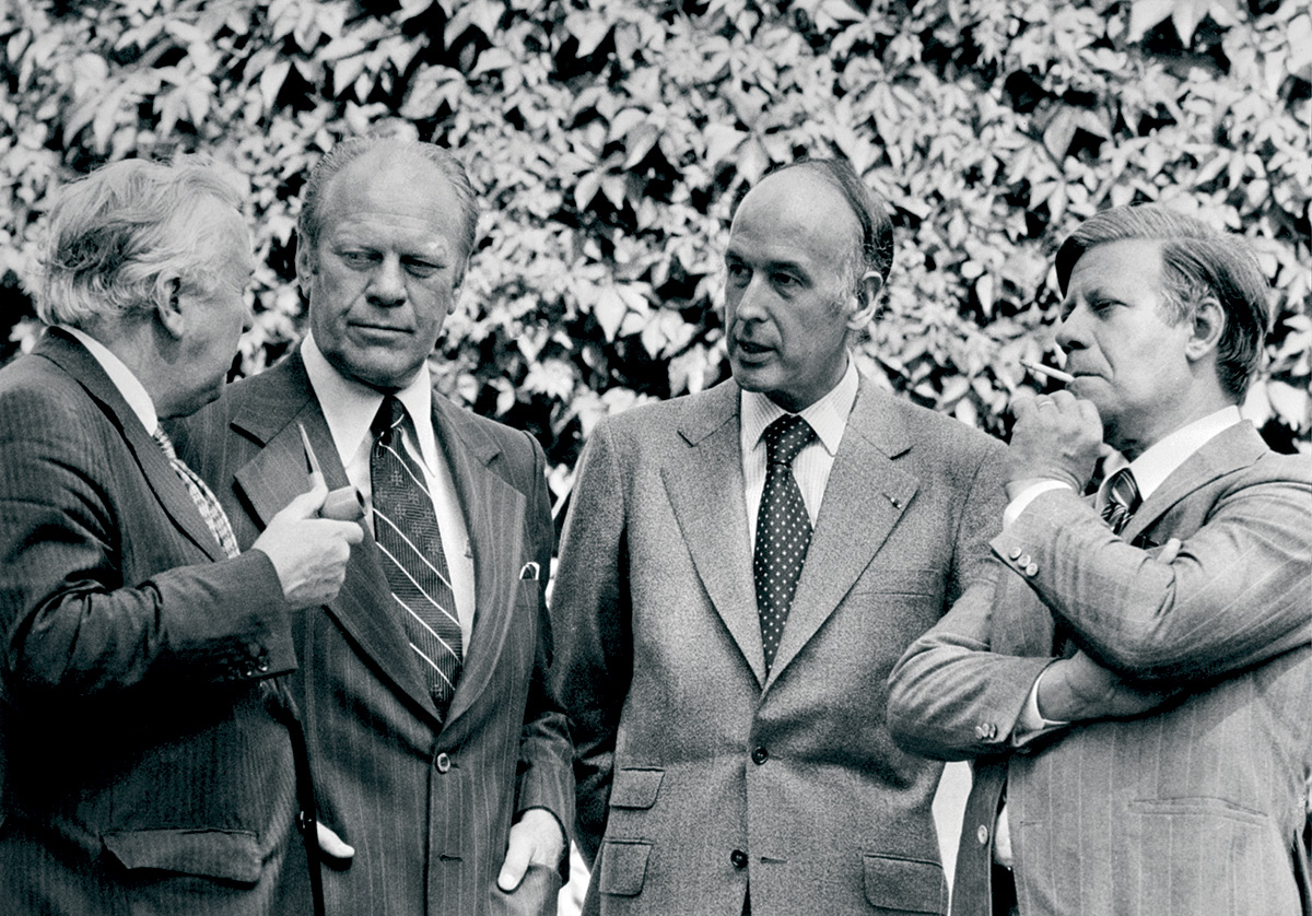 Helmut Schmidt (far right) at the Helsinki Summit of 1975, with (from left) Harold Wilson, Gerald Ford and Valéry Giscard d'Estaing.
