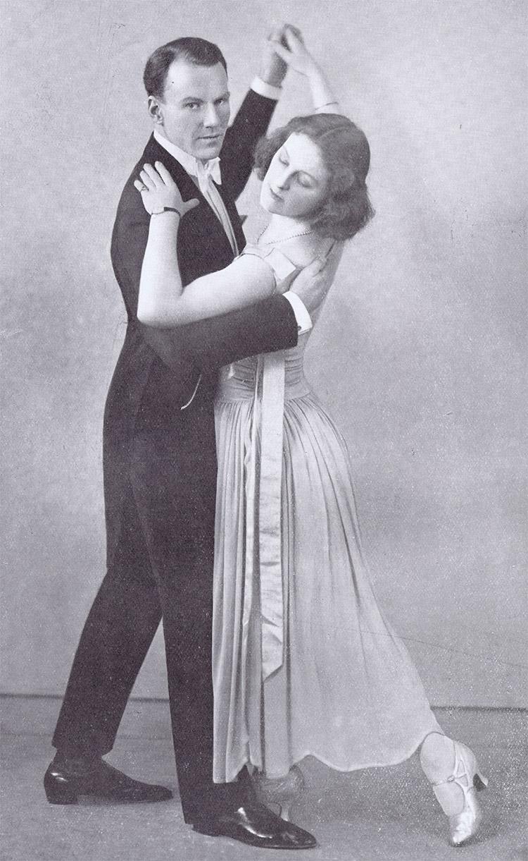 Theodore Roethke 's My Papa 's Waltz