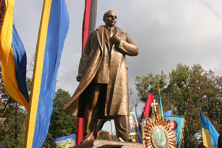 A statue of Stepan Bandera is unveiled in Ukraine