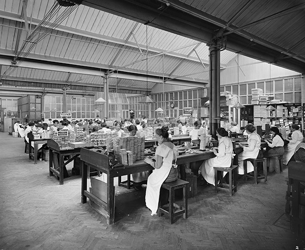 Packing cigarettes at the Teofani tobacco factory, Brixton, south London, 1916. Bridgeman/Private Collection