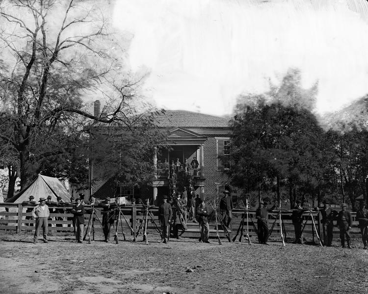 Federal soldiers at the courthouse April 1865