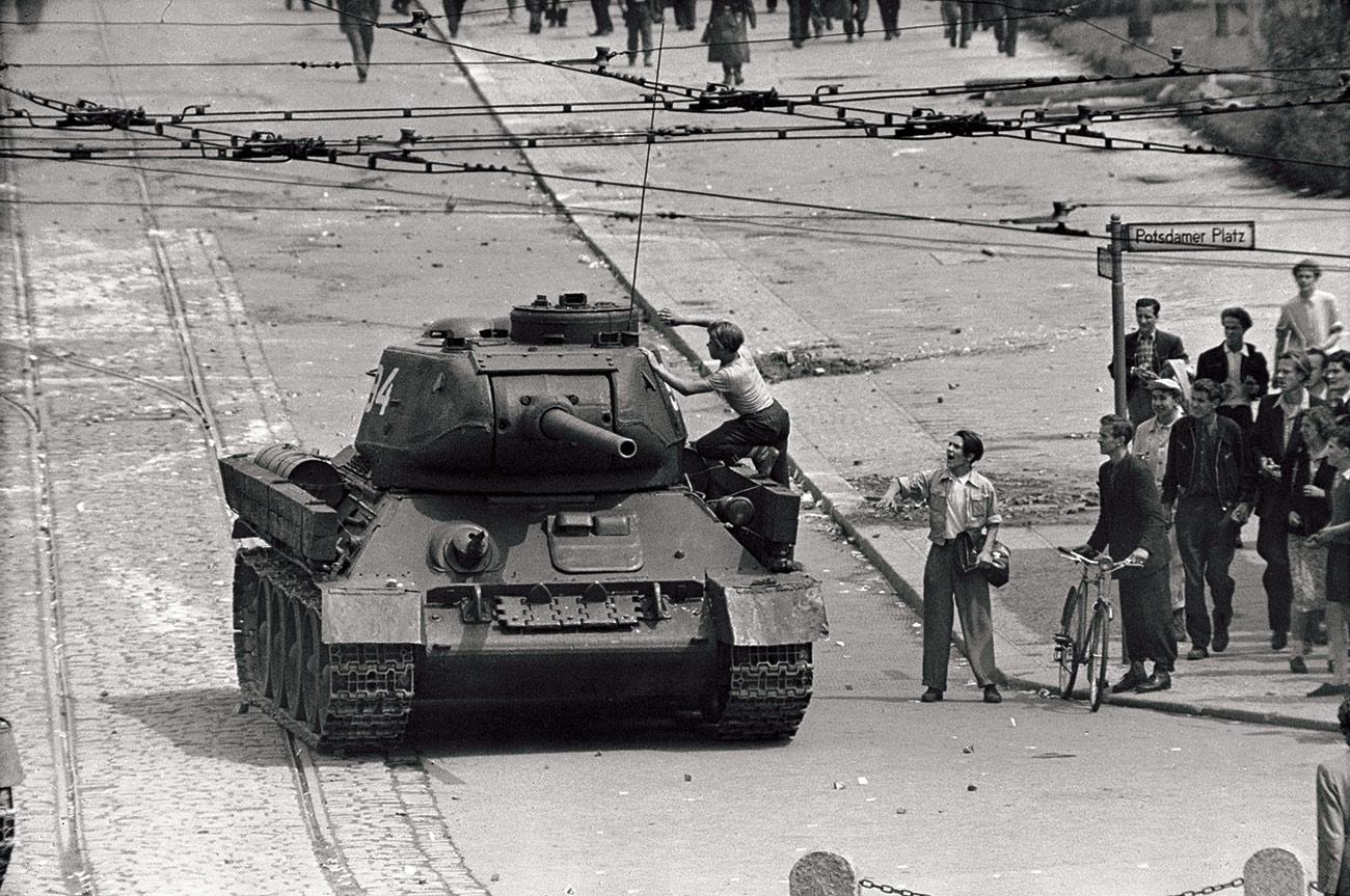 East Germans confront Soviet tanks on Potsdamer Platz, 17 June 1953.