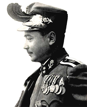 Dollfuss pictured in uniform during 1933.