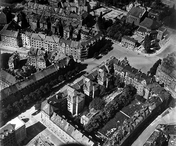 Aerial view showing the street on which Hitler and Feuchtwanger both lived. (Getty Images/Time Life/Margaret Bourke-White)