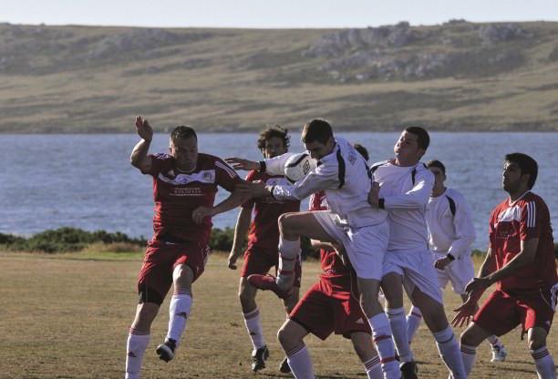 The Falklands: Dangerous Terrain   History Today
