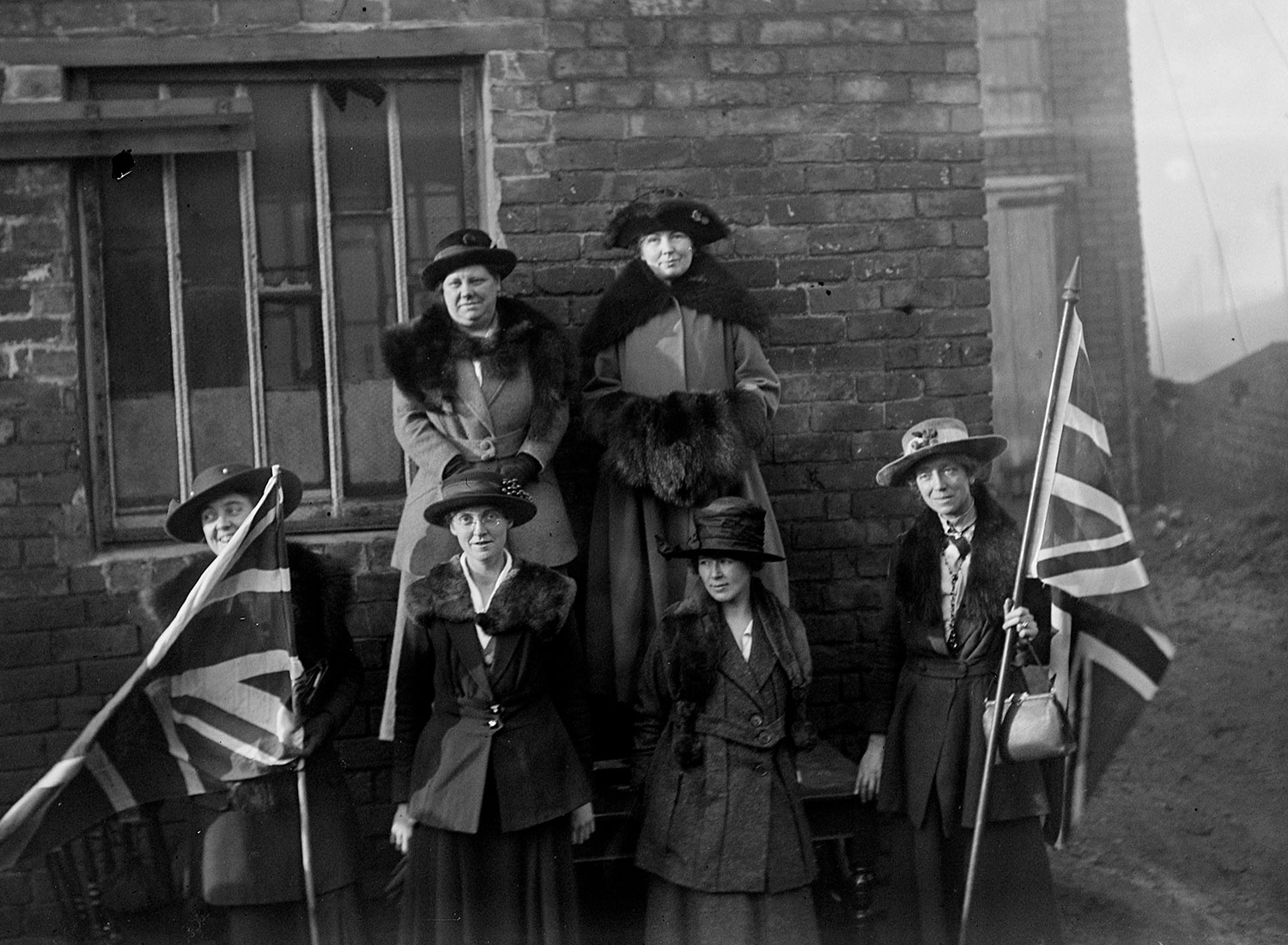 The launch of Christabel Pankhurst's election campaign in Smethwick, 28 November 1918. (Topfoto)