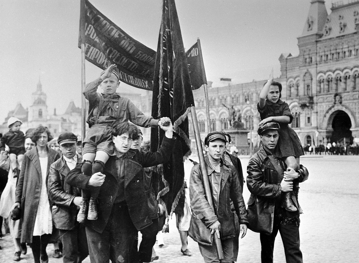 Demonstrators on International Youth Day, 1920. (Sputnik/Bridgeman Images)