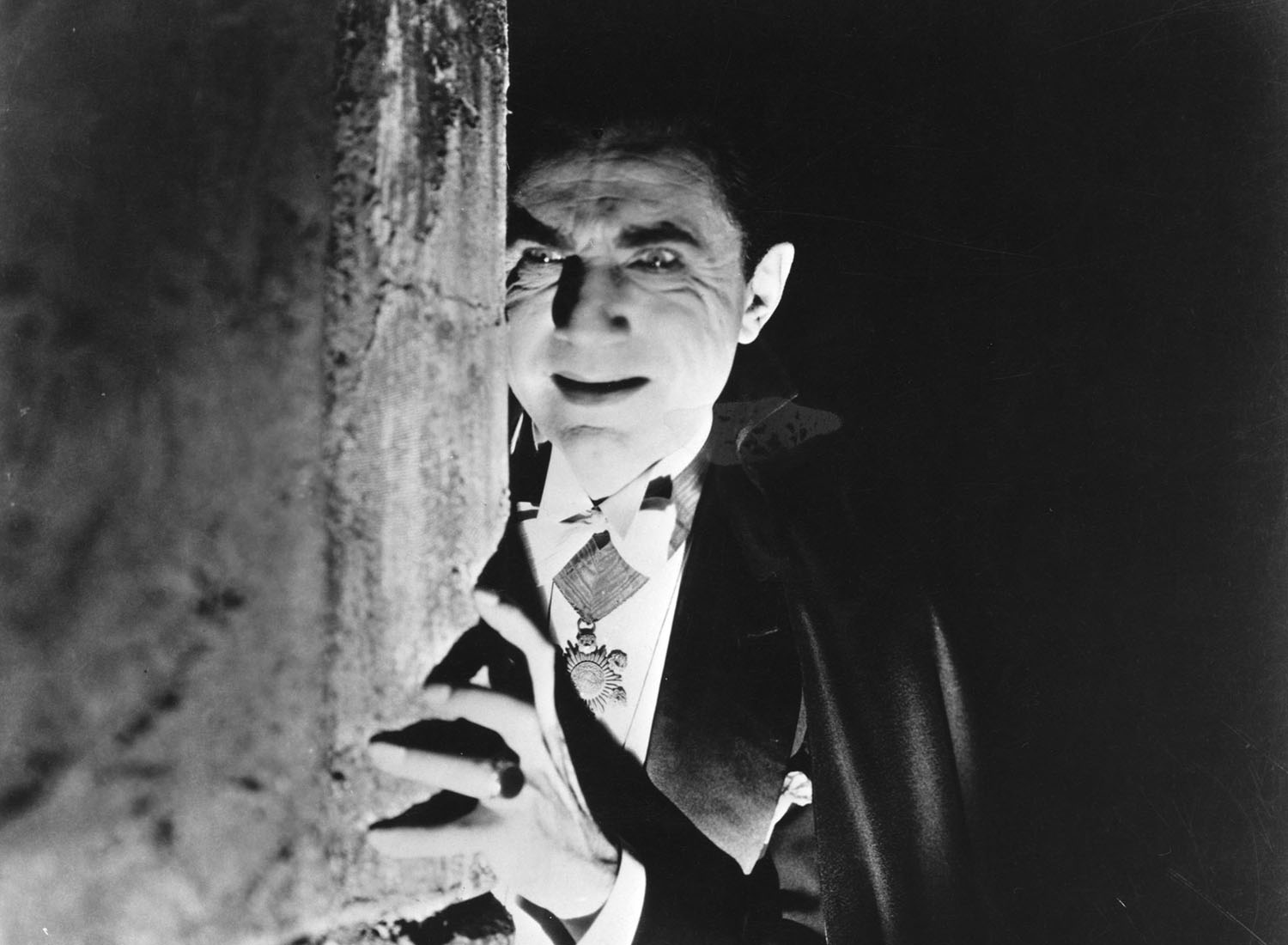 Bela Lugosi as the eponymous Count in Tod Browning's Dracula, 1931. Dracula, 1931. Directed and produced by Tod Browning. Cinematography: Karl Freund. Photo: Alamy