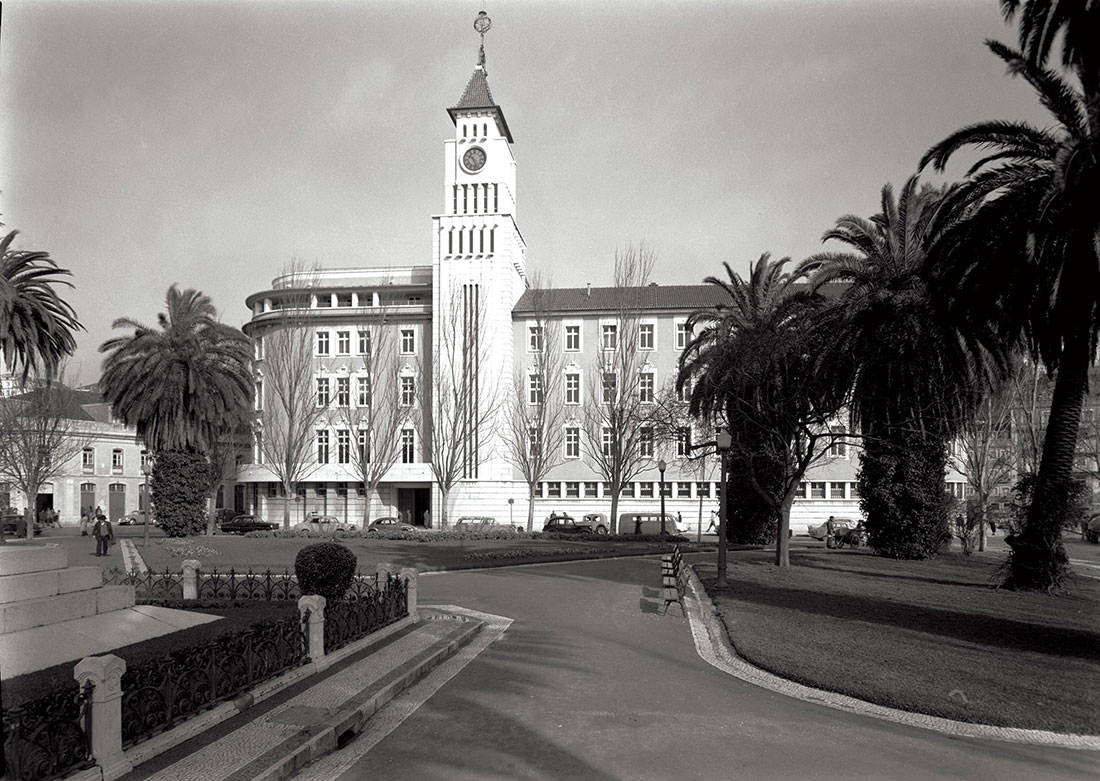 Palace of Communications: the Lisbon Post Office, known as Palácio das Comunicações, early 1950s.