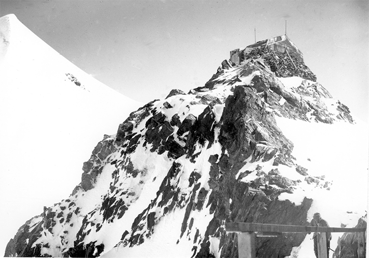 Vallot observatory and refuge, Mont Blanc, 1902