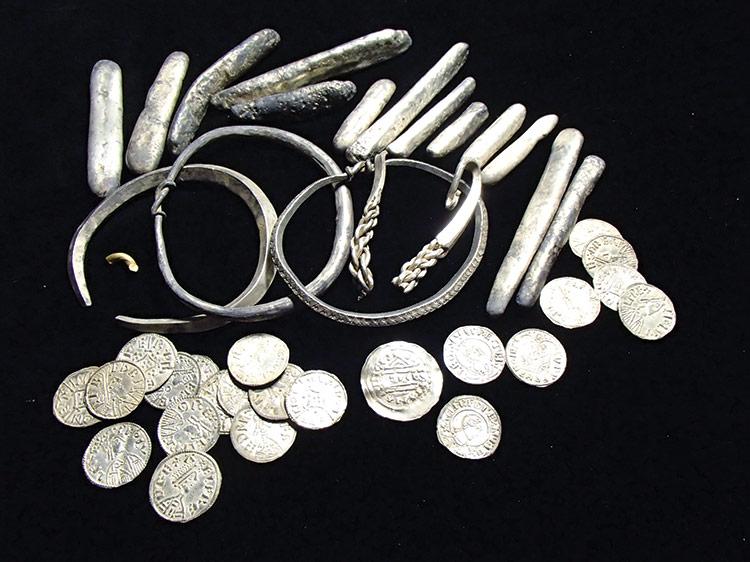 Precious metal: treasures from the Watlington hoard
