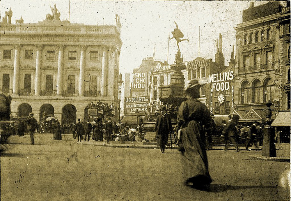 Piccadilly Circus, London, 1908.