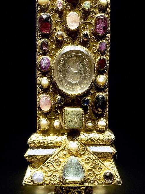 Scandalous: cross of Lothar II (detail), 11th century.
