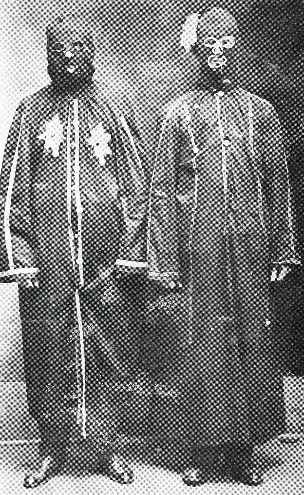 Two disguised Night Riders in Trenton, Tennessee, 1908. (Tennessee State Library & Archives)