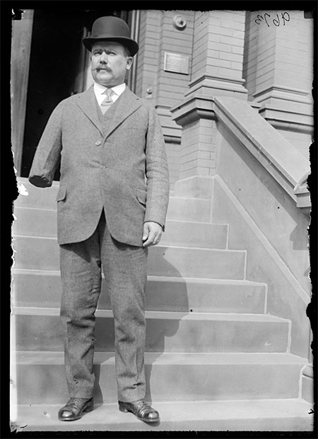 Alvaro Obregón in 1915. He lost his right arm while battling Pancho Villa