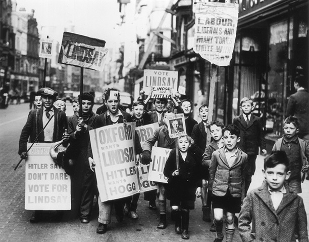 Children in Oxford supporting the anti-Munich candidate A.D. Lindsay against Quintin Hogg on polling day, October 1938