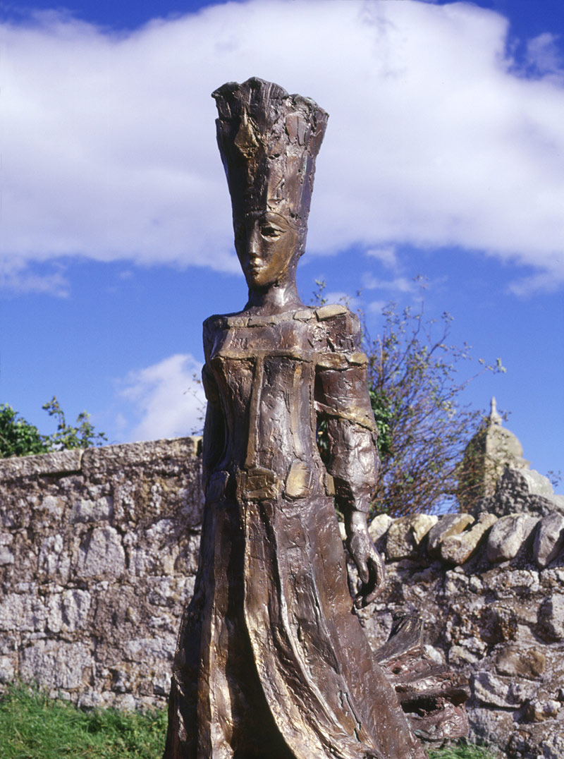 Sculpture by Leonie Gibbs of a Pict queen (1999) at Tarbat Old Church, Portmahomack.