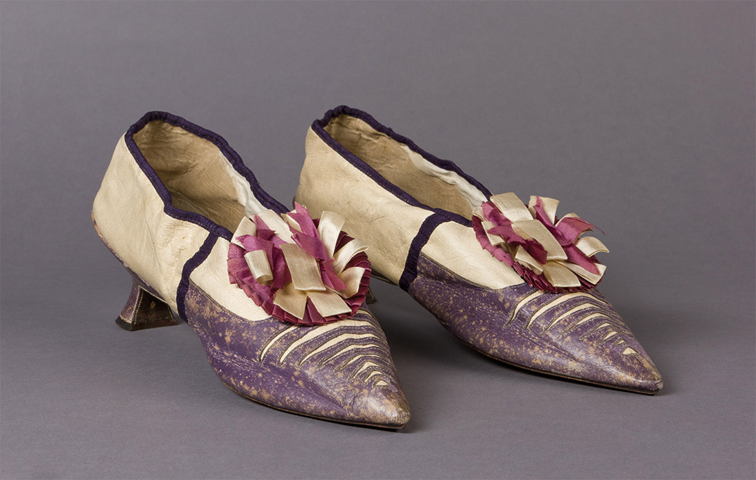 Court shoes of 'Mrs Broughton Rowse', in kid leather with silk rosettes, c.1790s.