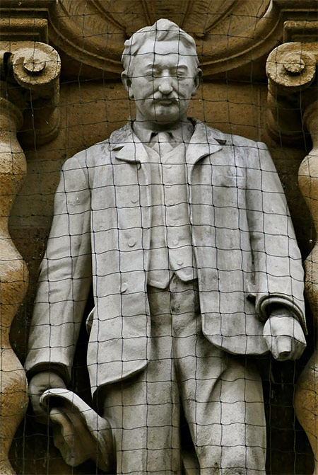 Here today: the statue of Rhodes at Oriel College