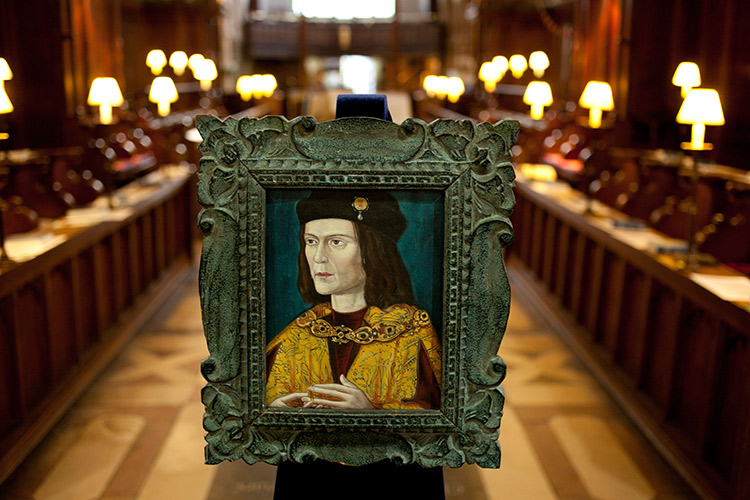 A portrait of Richard III in the choir of Leicester Cathedral.