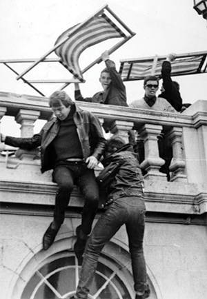 Rockers flee mods at Brighton on May 5th, 1964. Getty/Popperfoto