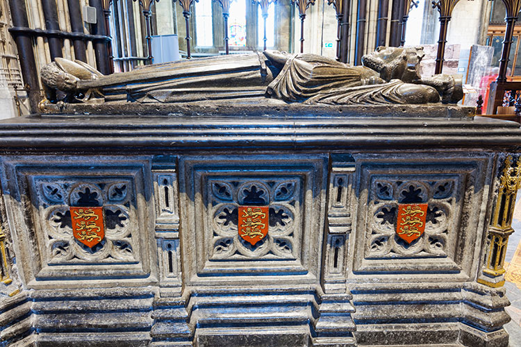 The tomb of King John at Worcester Cathedral.