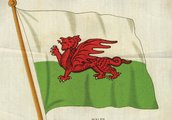 Welsh flag cigarette card, 20th century.
