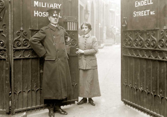 The entrance to Endell Street Military Hospital, 1917 © © TopFoto.