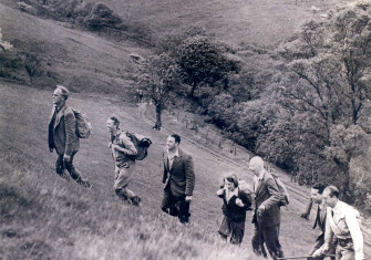 Labour Cabinet ministers walking in the Peak District, 1947. Roderick Floud, courtesy James Franklin/Gresham College.