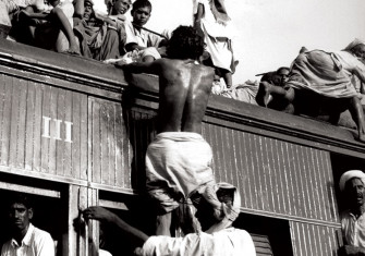 Muslim refugees leaving Delhi for Pakistan, 26 September 1947