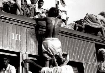 Muslim refugees leaving Delhi for Pakistan, 26 September 1947