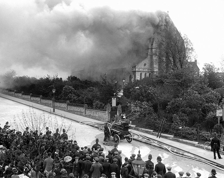 St Catherine's Church, Hatcham, engulfed in flames after a suffragette arson attack, May 14th, 1913. Mary Evans Picture Library