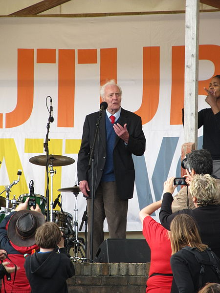 Tony Benn speaking at the Tolpuddle Martyrs' Festival and Rally 2012. Photo by Rwendland, published under under the Creative Commons Attribution-Share Alike 3.0 Unported license