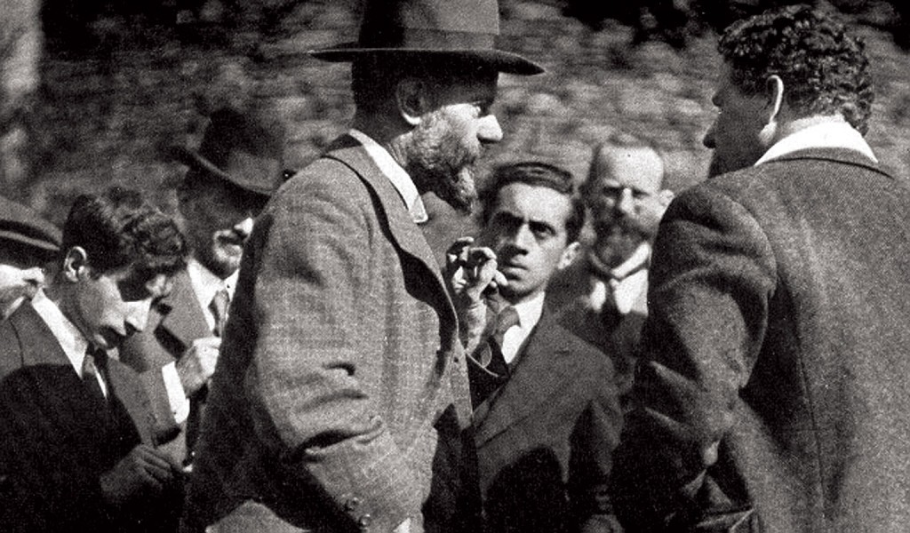 Max Weber (in foreground), 1917.